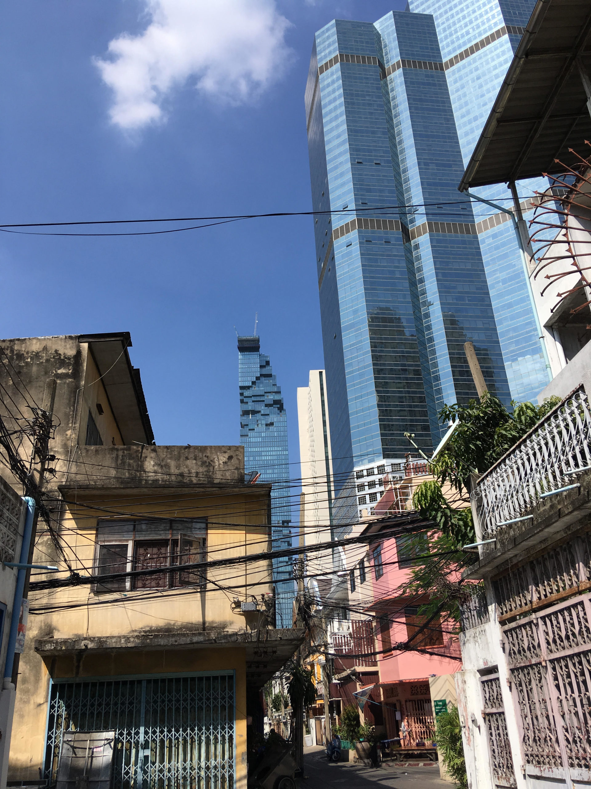 Bangkok's_tallest_skyscraper_(in_background)_-_12-07-17.jpeg