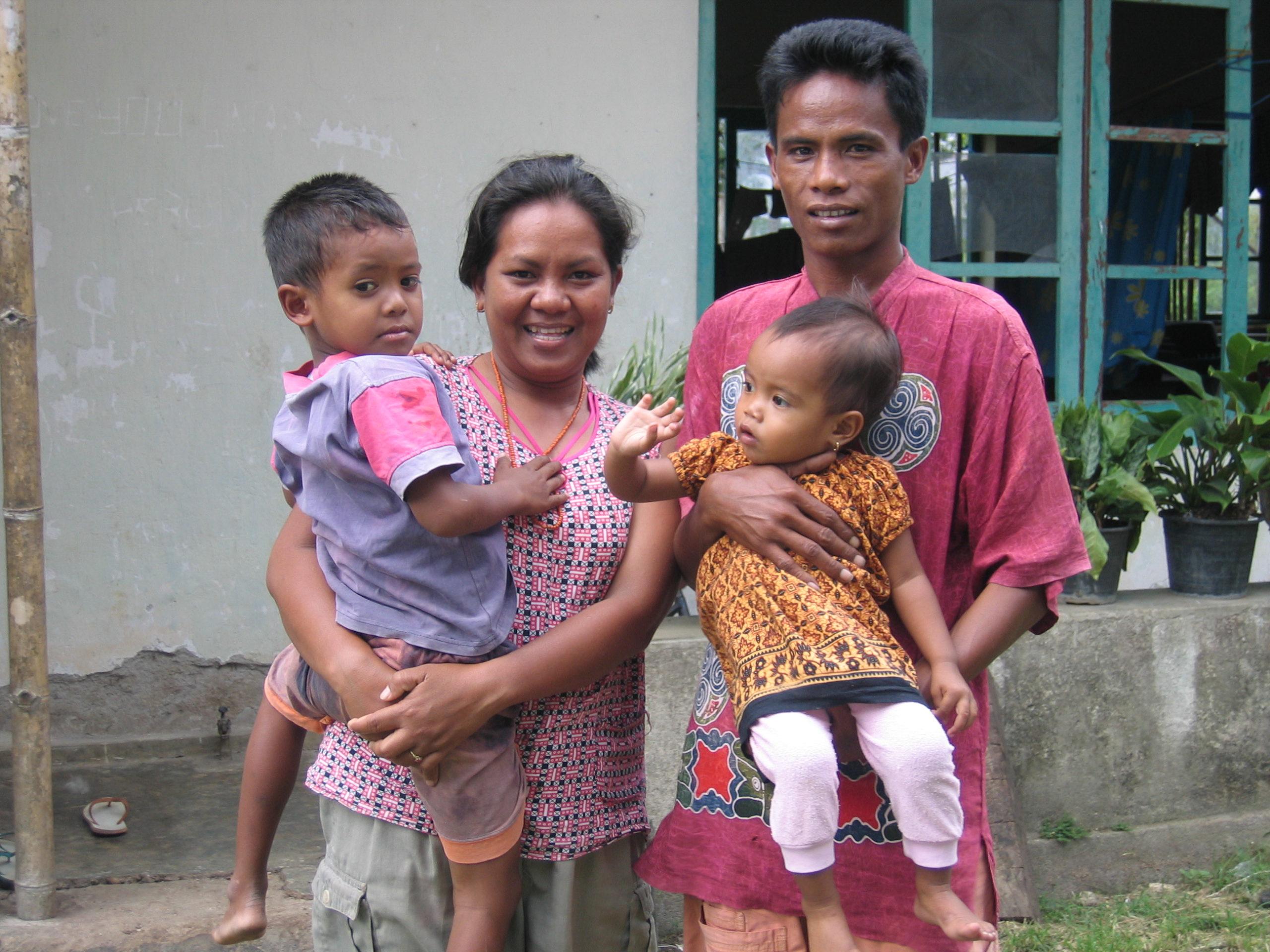 ETimor-Indonesia-11-04_063.jpg