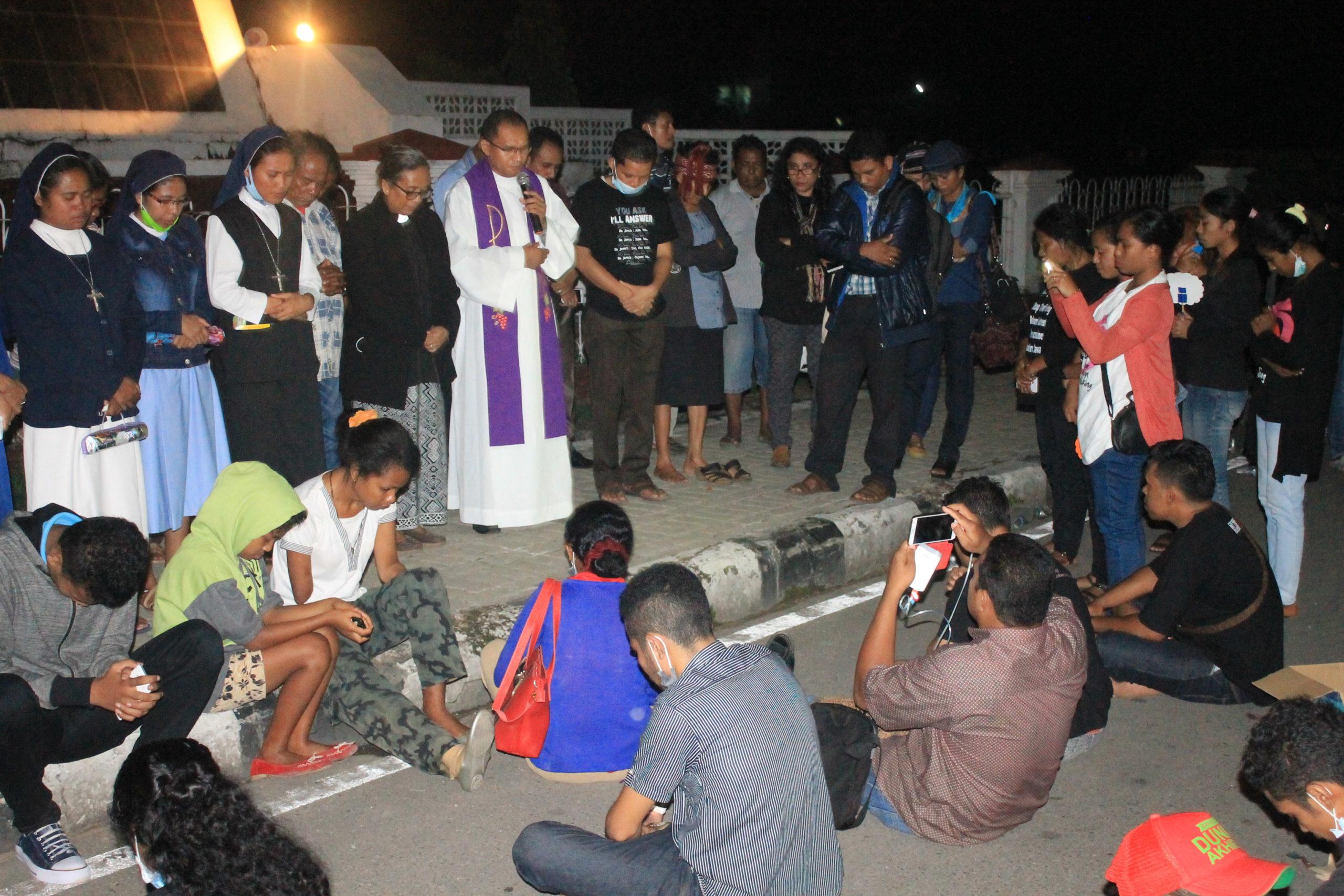 Indonesia_karen_campbell_nelson_solidarity_prayer.jpeg